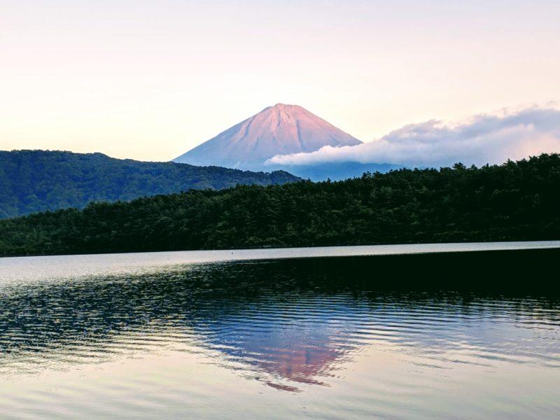 lago saiko - monte fuji, uno de los cinco lagos del monte fuji